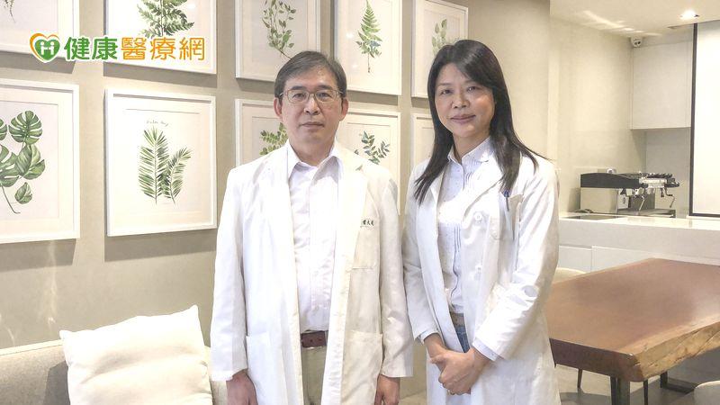 茱麗葉乳房醫療團隊醫療長葉大成醫師(左一)、謝惠珍個管師。